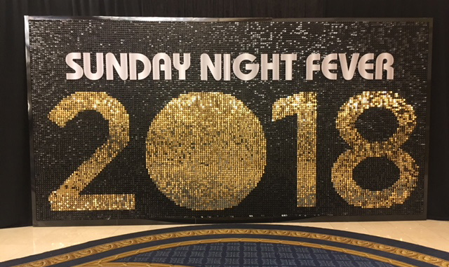 बेस्ट शिमर वॉल डिस्क टाइल्स इवेंट बैकड्रॉप शिमर पैनल डेकोरेशन 2018 में NEW YEAR FactoryPrice-Weimodecor