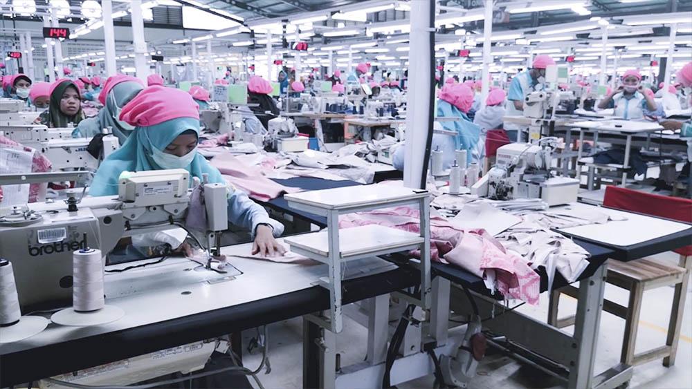 Intelligent hanging production line