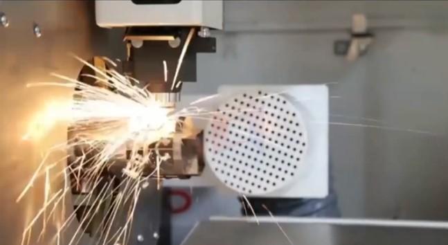 ਟਿ Tubeਬ ਲੇਜ਼ਰ ਕੱਟ LXF6020T ਕੱਟ ਗੋਲ ਸਟੀਲ ਟਿ .ਬ ਸਟੀਲ 1.5mm