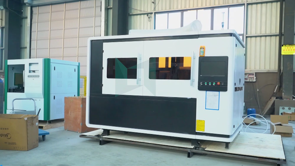 [LXSHOW LASER]mini laser cutting machine for metal LXF1390 packaging process display