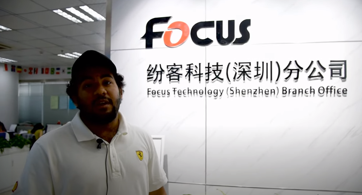 How does Oman reseller to choose uv printer in China ?
