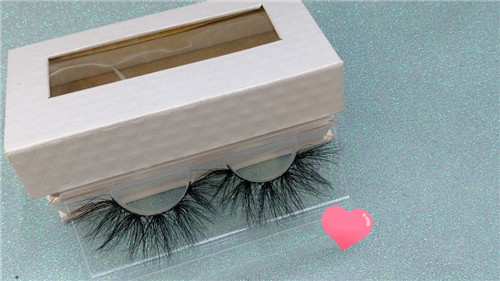 3D 25mm mink eyelashes with custom packaging-Gorgeous Eyelashes Ltd