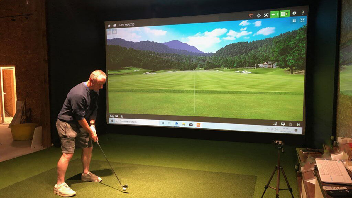 Golf hitting projector screen with 100mm width aluminum alloy frame