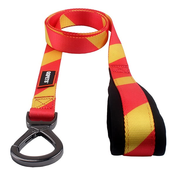 World Cup Series dog leash: best dog leash with the color of Spanish Flag