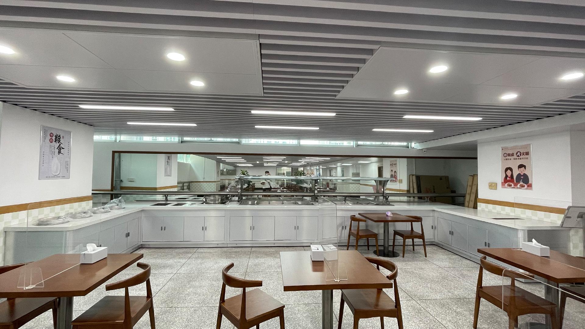 200-350 personas en el gran equipo de cocina de diseño de cocina de comida rápida
