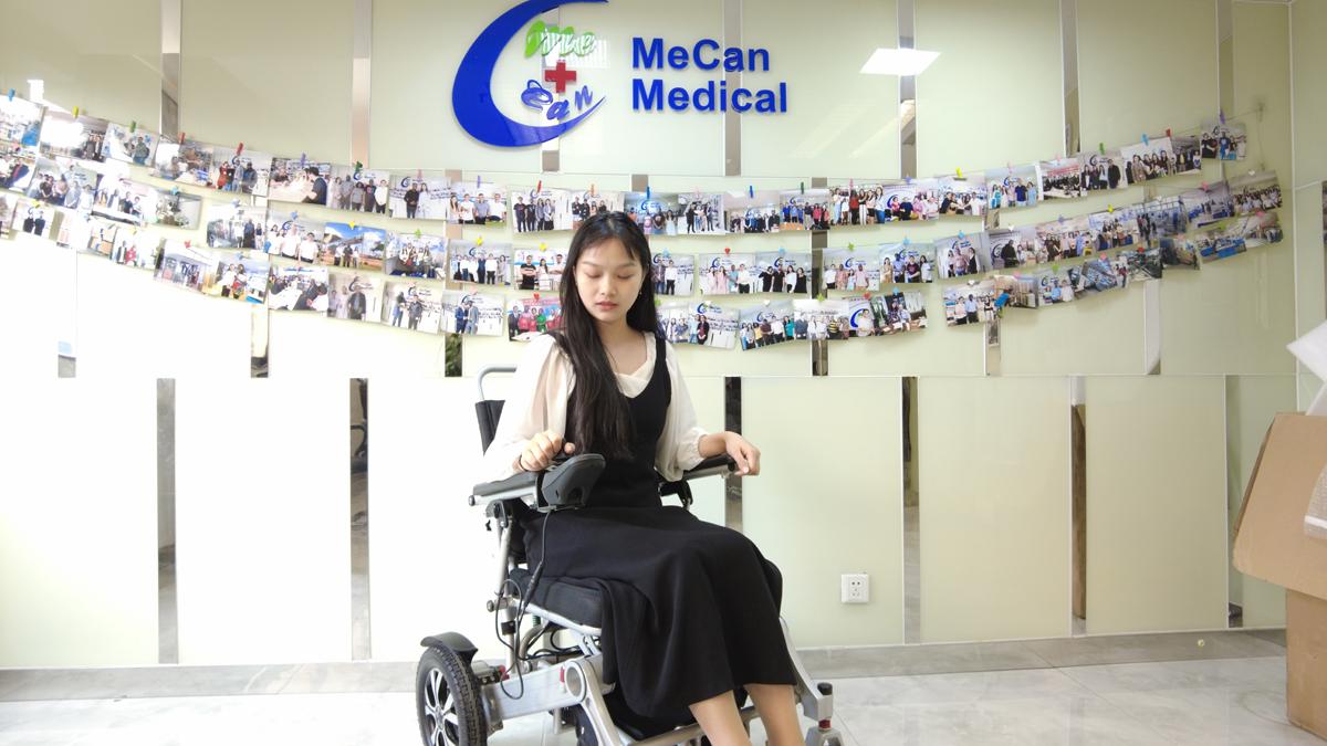 Aangepaste elektriese rolstoelvervaardigers van China